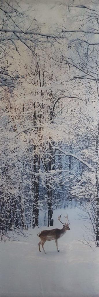sneeuw landschap met hert